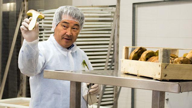 Il concessionario esclusivo per il Giappone in visita presso lo stabilimento di essiccazione
